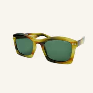 Wide polarized sunglasses with rectangular edges