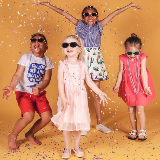 Wayfarer polarized folding children's sunglasses