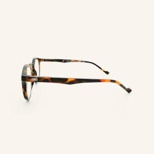 Grandes gafas de pantallas redondas con 2 clavos en cada lado de la montura