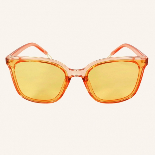 Large squared sunglasses with flat lenses