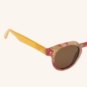 Round polarized sunglasses with an angular upper part of the strapping