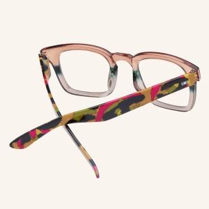 Oversized squared reading glasses